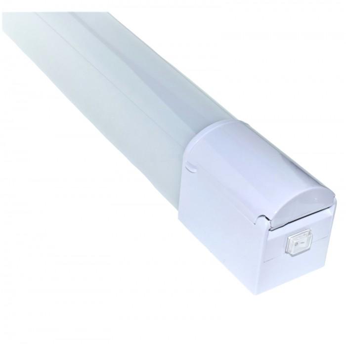 Corp LED baie alb, cu priza, 15w, 4000K, lumina neutra, cu protectie IP44